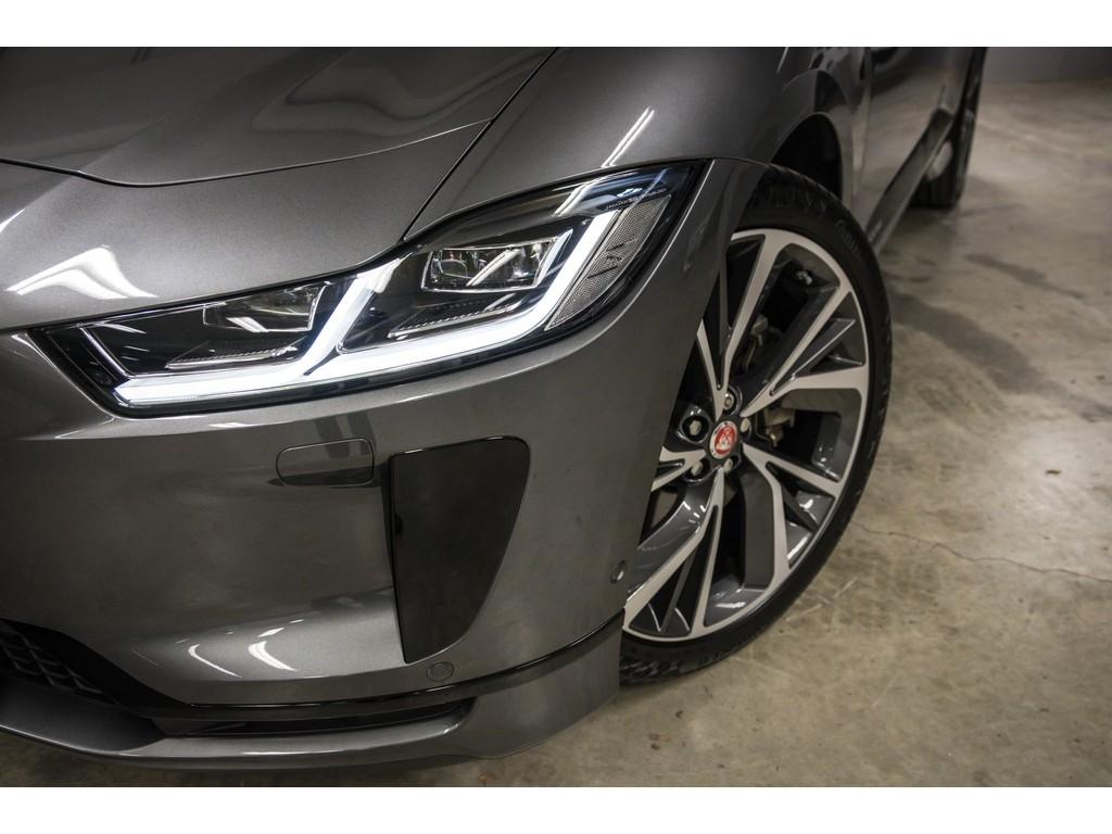 Jaguar-I-Pace-SE-4