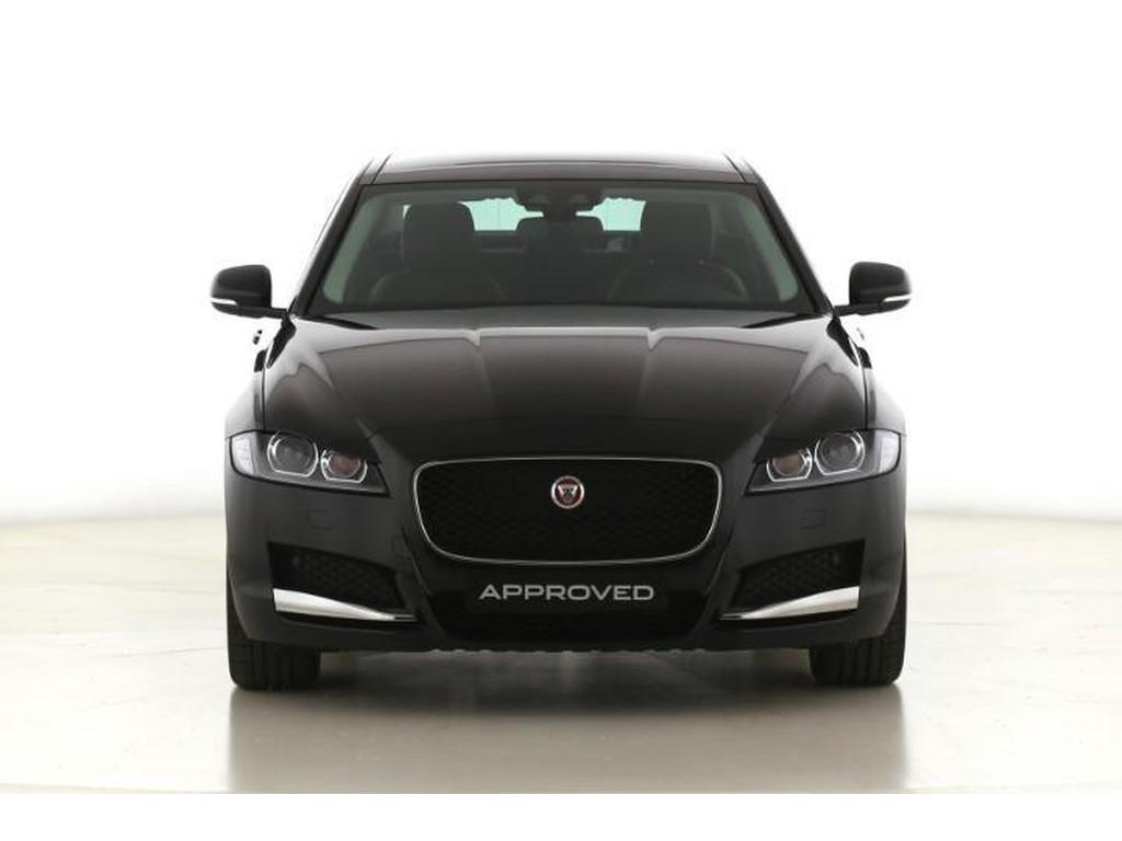 Jaguar-XF-Prestige-2